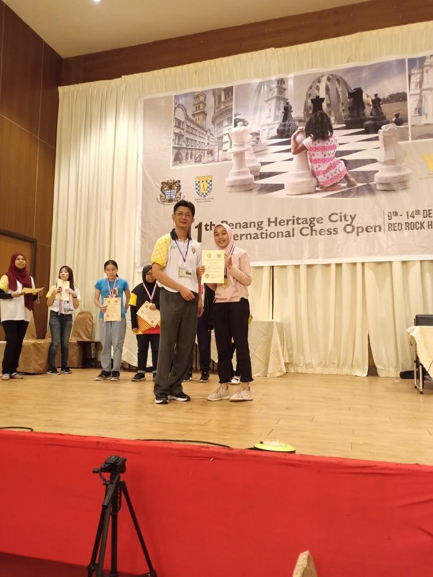 NATASYA RAIH JUARA 1 CATUR KU 15 PENANG OPEN MALAYSIA