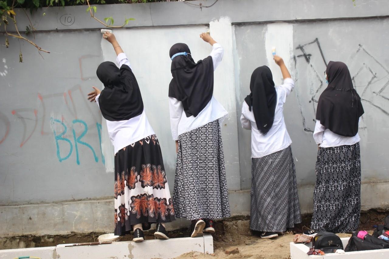 Malam Nuzulul Quran : Peserta Didik Menata Gang Beringin