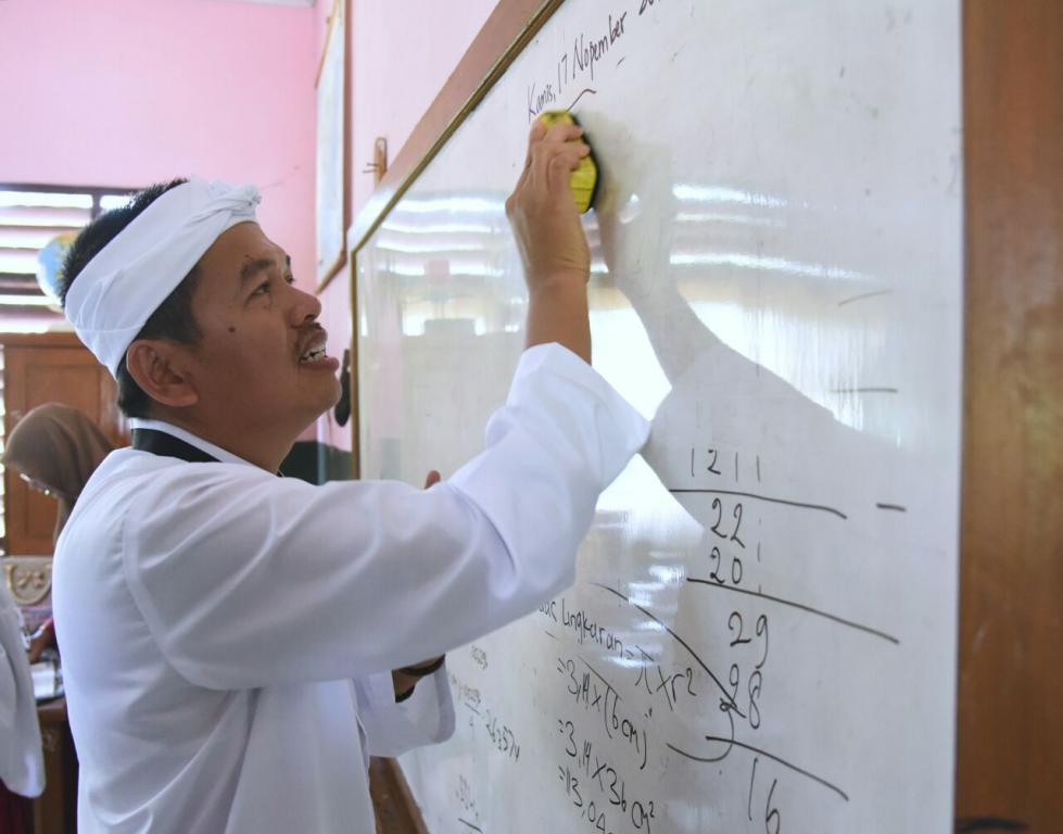 Dari Kang Dedi Mulyadi Untuk Guru