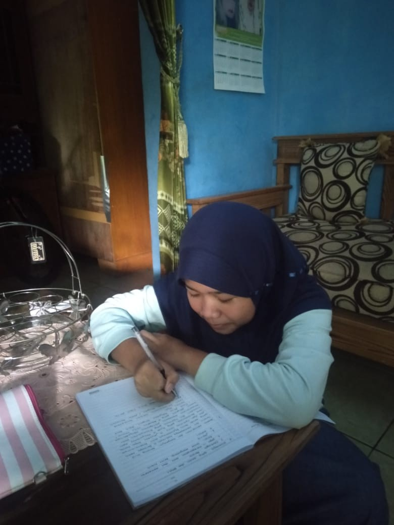 Melirik Aplikasi Learning  from Home and Working from Home  di SMPN 5 Purwakarta