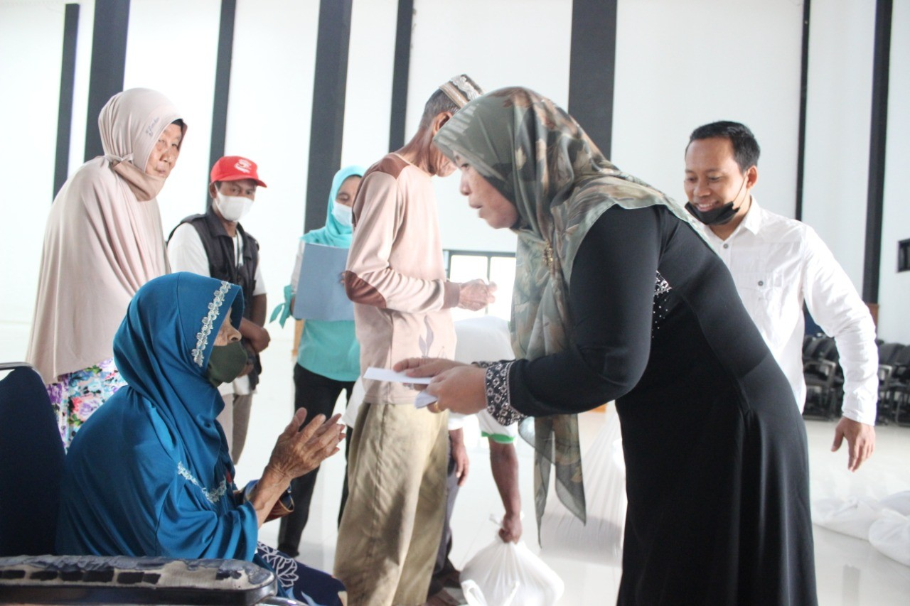 Akhir Pekan Ramadhan : Disdik Berbagi dengan Seksama