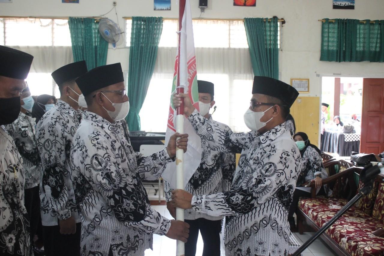 Pengurus Baru PGRI Kecamatan Purwakarta Resmi Dilantik