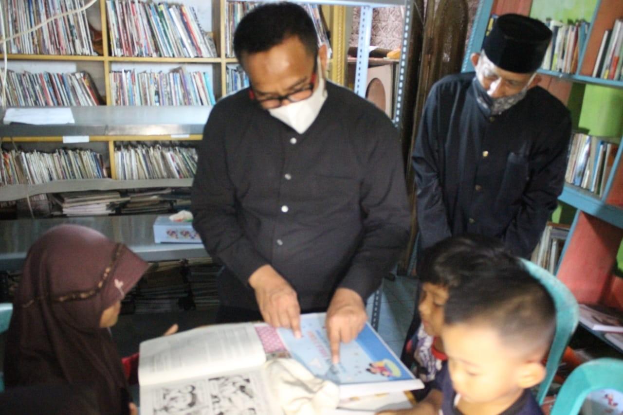 Abah Djudju : Pegiat Literasi Saba Desa Inspiratif Kadisdik Purwakarta