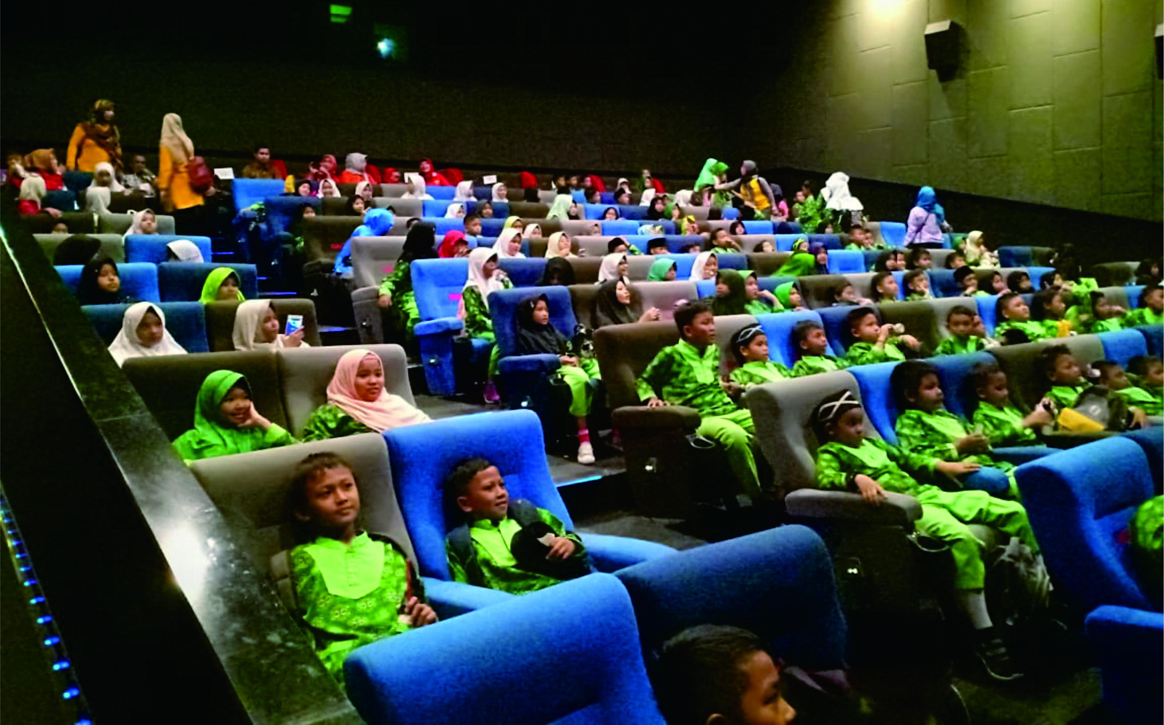 Nobar Film Bareng Kadisdik Purwakarta
