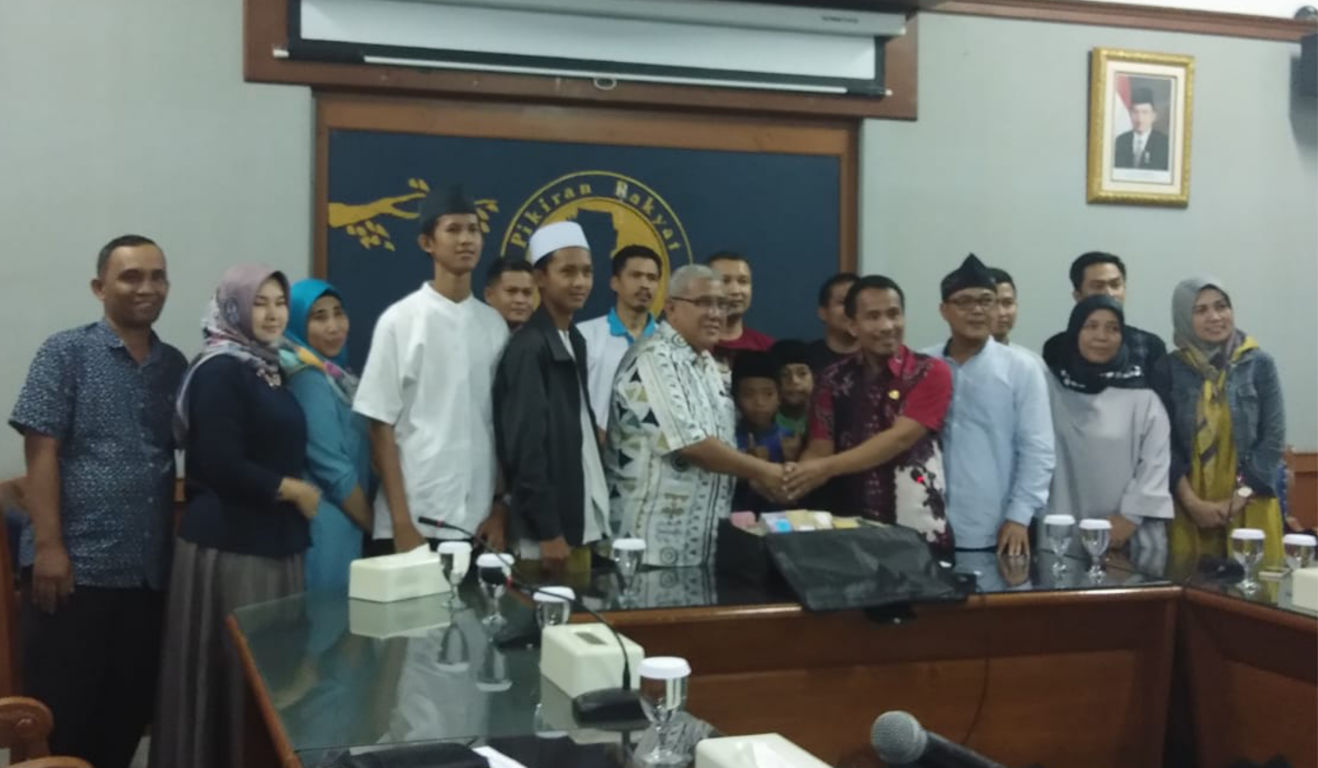 Bantuan Dana Pelajar Purwakarta Untuk Lombok Resmi Diserahkan ke PR Grup
